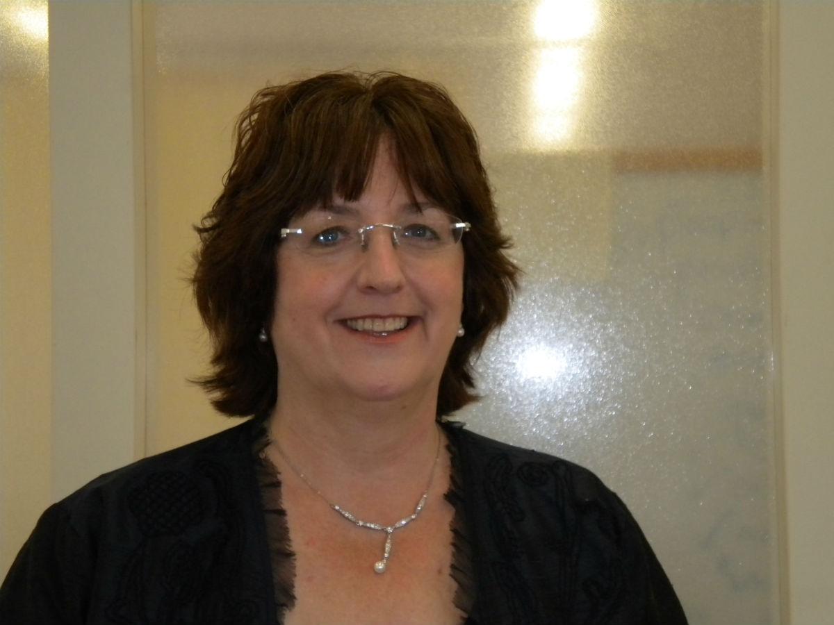 Caroline Catz (born 1969) photo
