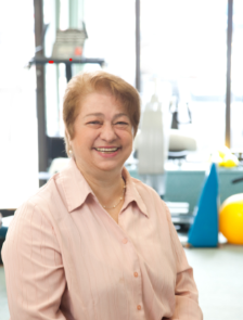 Dr. Roslyn Sofer, a professor in the Doctor of Physical Therapy (DPT) program at Touro's School of Health Sciences